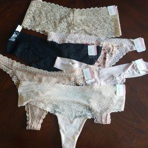 Set of 6 sexy lacey thongs + 1 free thong (set B)